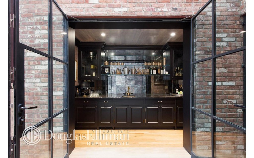 Townhouse in manhattan for sale new upper west side for Townhouse for sale manhattan