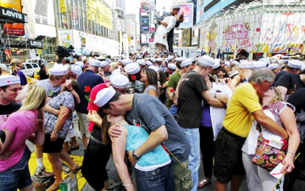 times square kiss-in, times square kiss, times square events