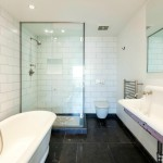 113A Columbia Street -bathroom