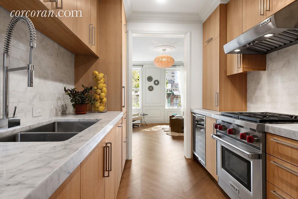 140 West 10th Street, kitchen, co-op