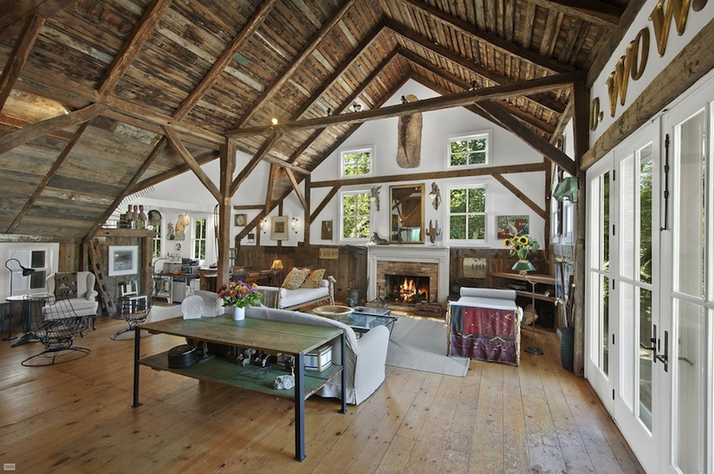 Out in southampton a restored 1740s english barn asks 2 for Barn home interiors