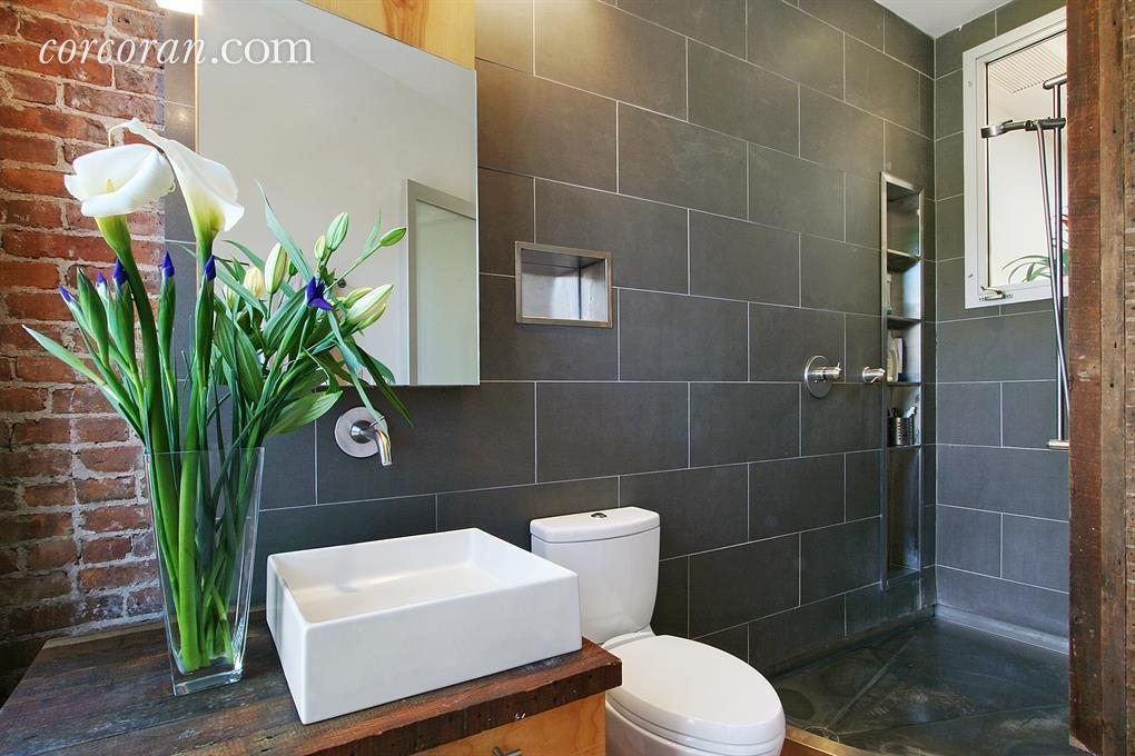 362A 14th Street, bathroom