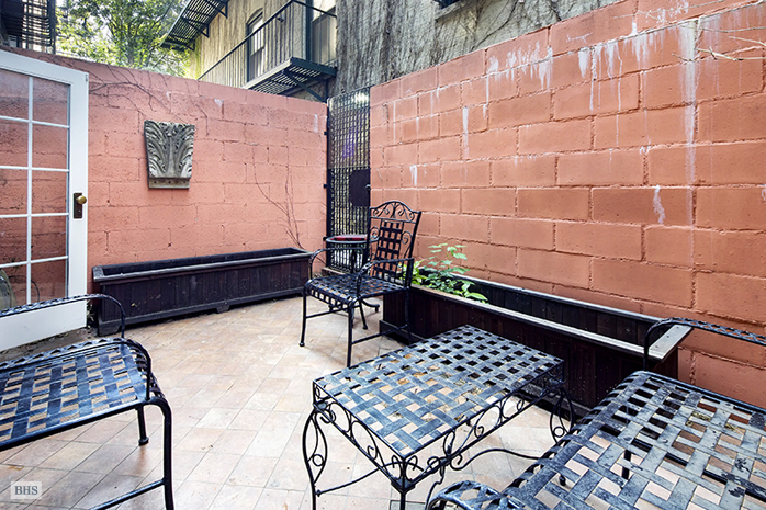 401 Manhattan Avenue, harlem, backyard, townhouse