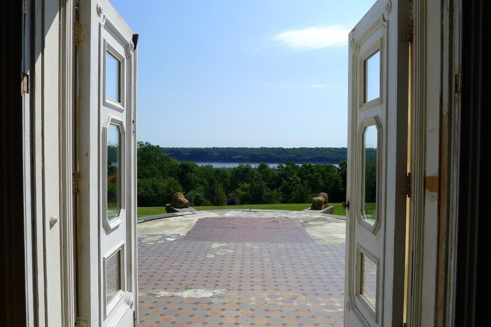 Jim Henson-Saugerties mansion-9