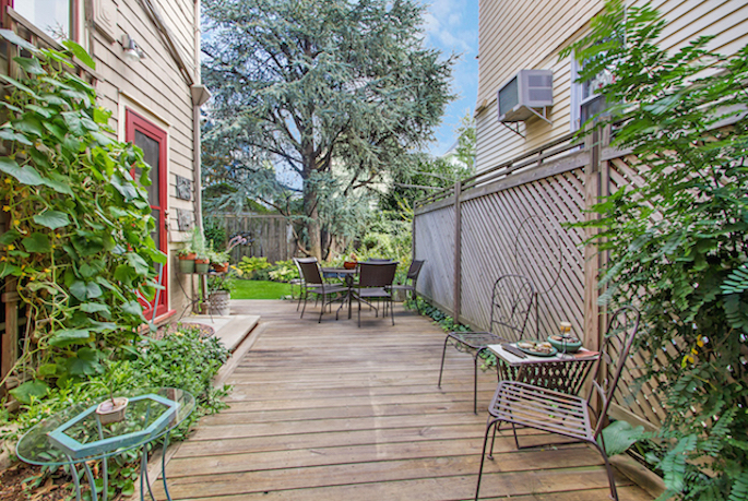 447 Rugby Road Patio