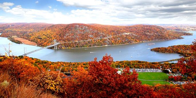 Bear Mountain Foliage, New York fall foliage, Bear Mountain State Park, fall day trips from NYC