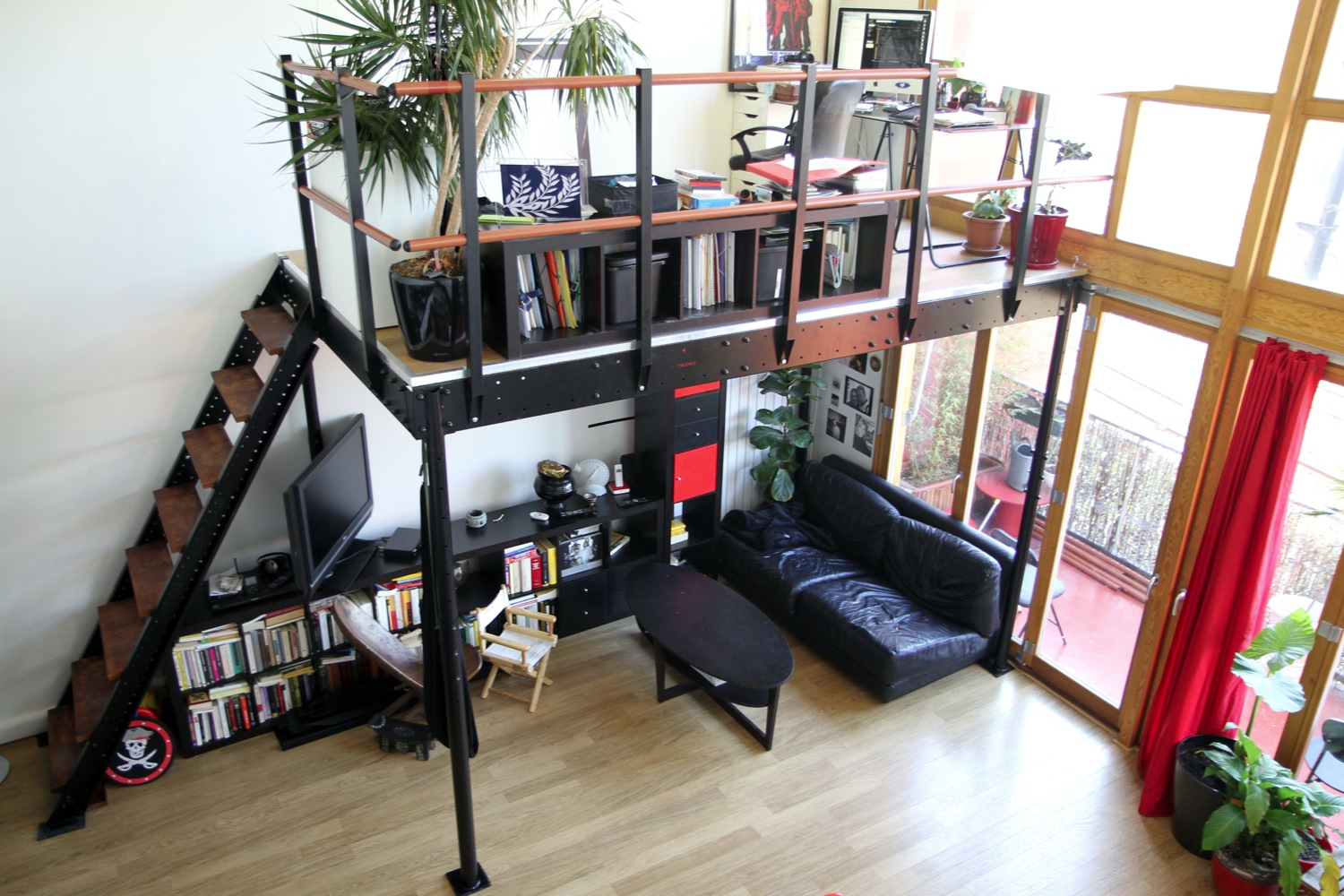 Diy loft kit adds another 160 square feet to your tiny for Smallest apartment in nyc