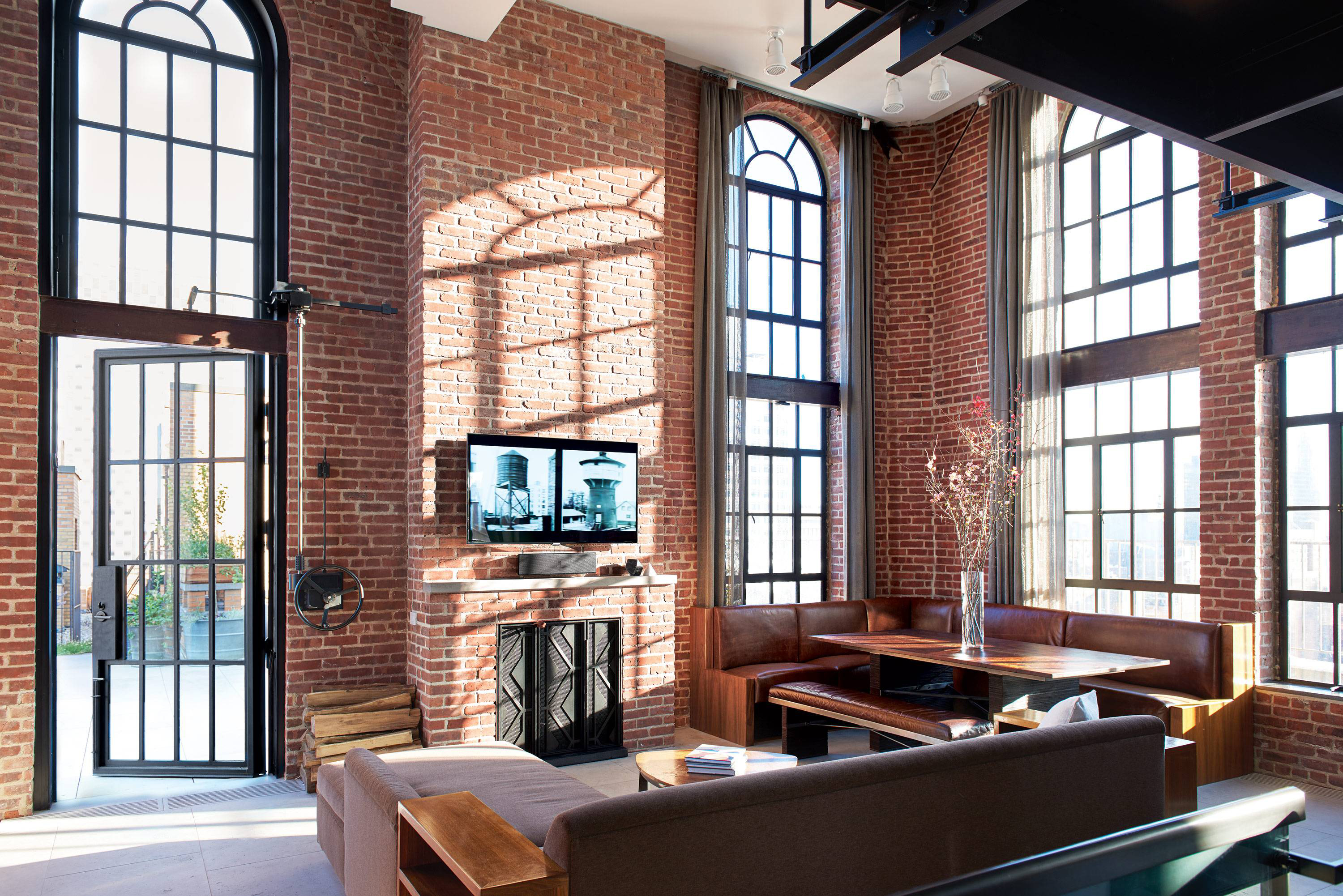 Olson kundig architects turn an upper east side water for Living room west 6 brooklyn
