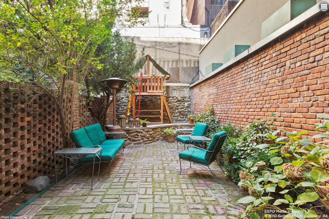 This upper east side townhouse makes up in charm what it for Townhouse for sale in manhattan