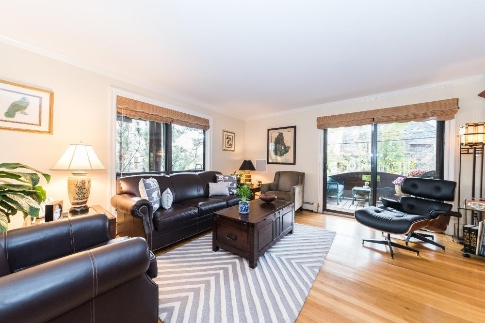 33 tier street, living room, glass door, co-op, city island