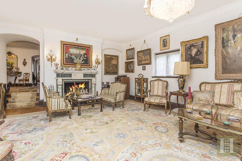 70 greenway south, living room, forest hills, tudor