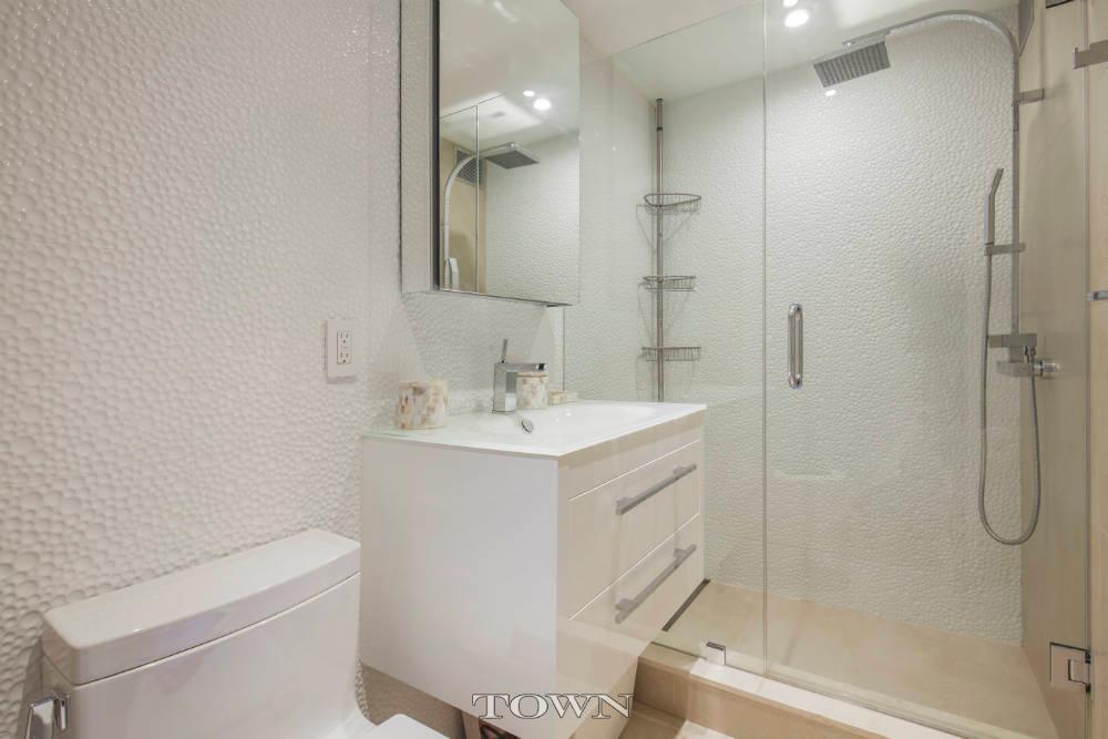 bathroom, 120 central park south