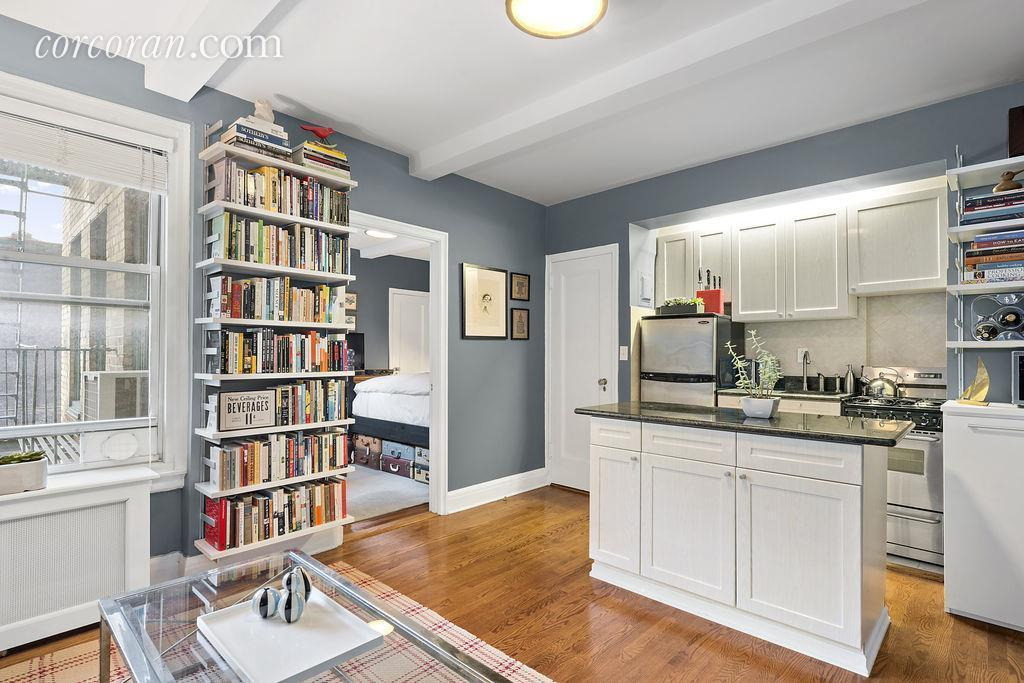 The whitby, kitchen, one bedroom, co-op, 325 West 45th Street