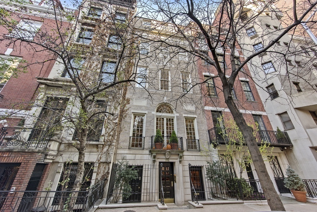 Rent this sun filled upper east side townhouse for 35k a for Upper east side townhouse for rent