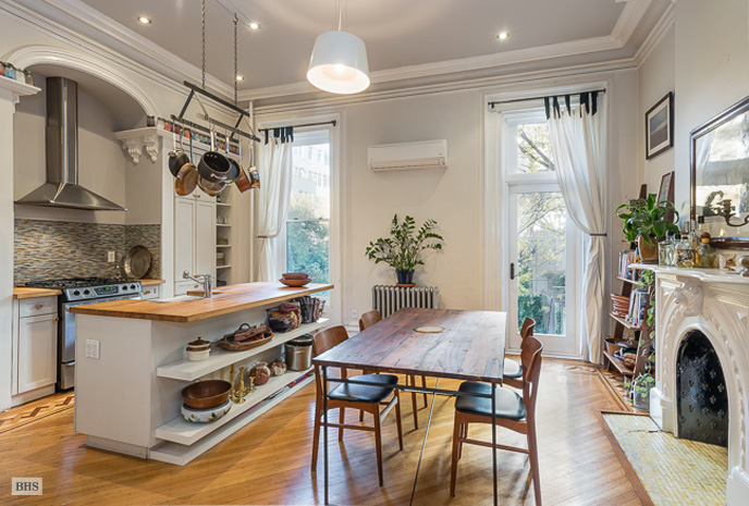 75 Willoughby Avenue, Cool Listings, Fort Greene, Clinton Hill, Brownstone, Townhouse, Brownstone Duplex for rent, townhouse rental, historic homes