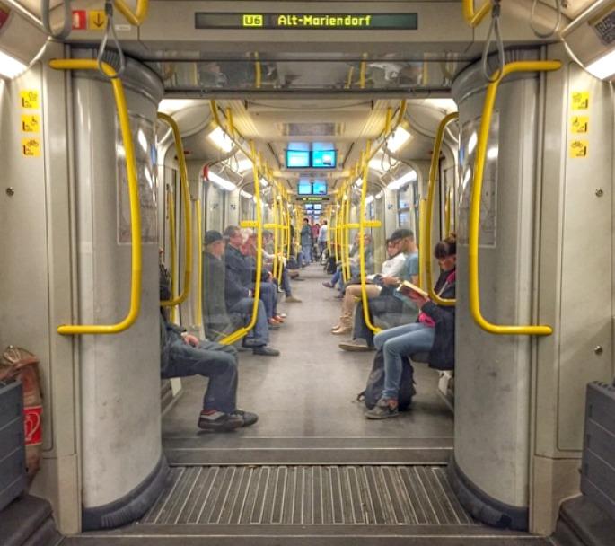 open gangway subway in Berlin