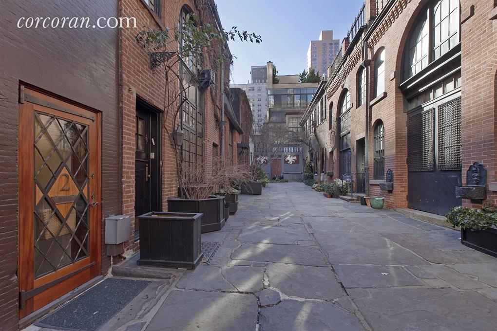 sniffen court, murray hill, 156 East 36th Street