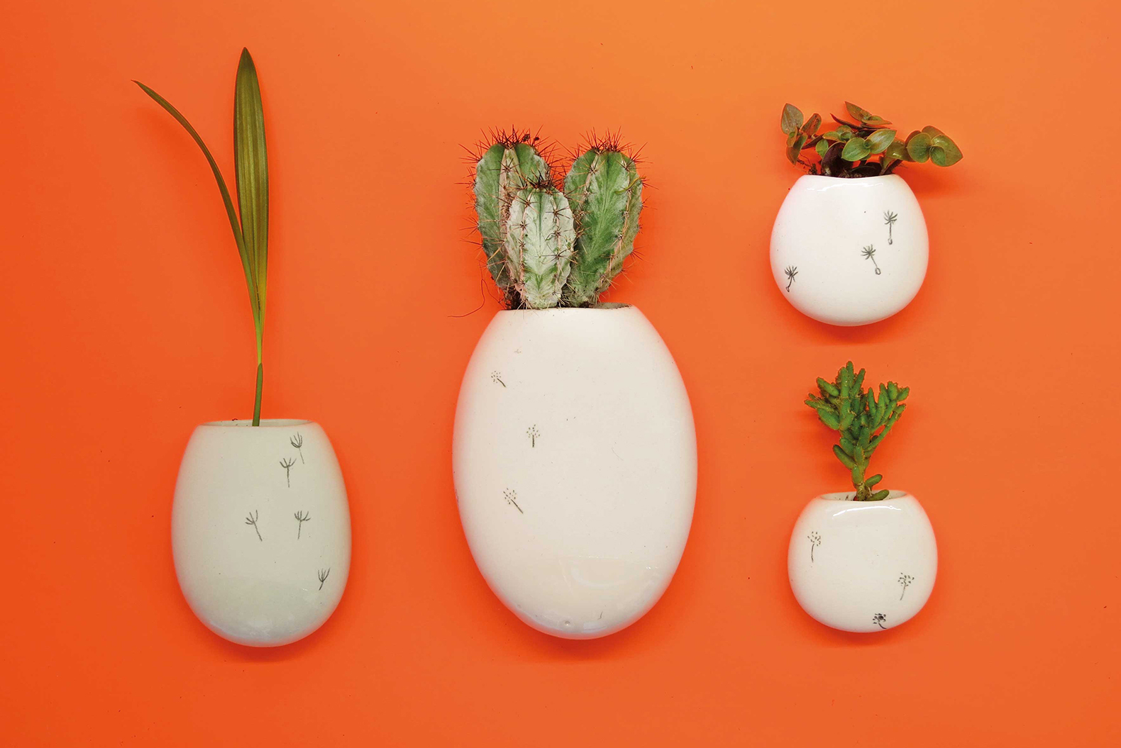 Ceramic 'Wall Pockets' Turn Plain White Walls Into Green