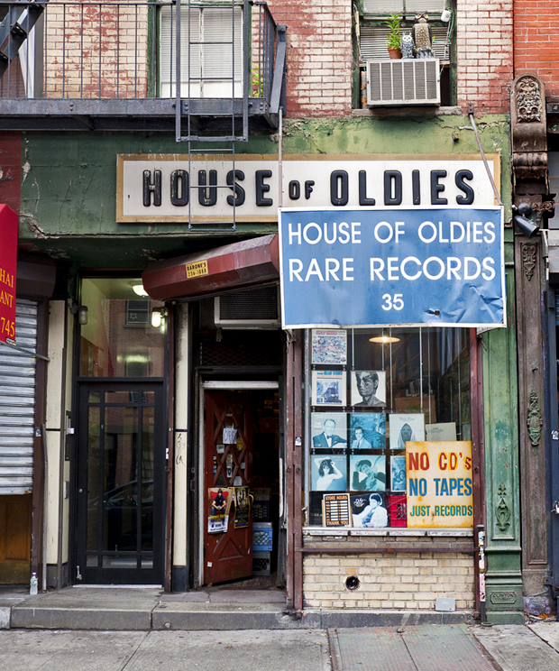 house of oldies, nyc signage