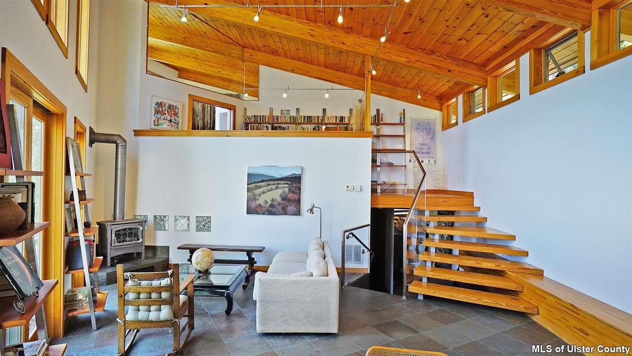 106 Mountain Laurel Lane, catskills, house, living room, modern