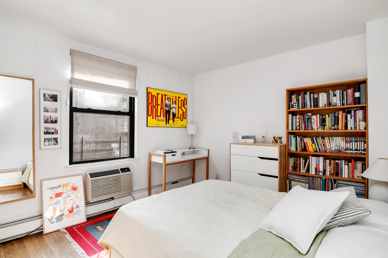 211 Berry Street, williamsburg, master bedroom, two-bedroom condo, condo