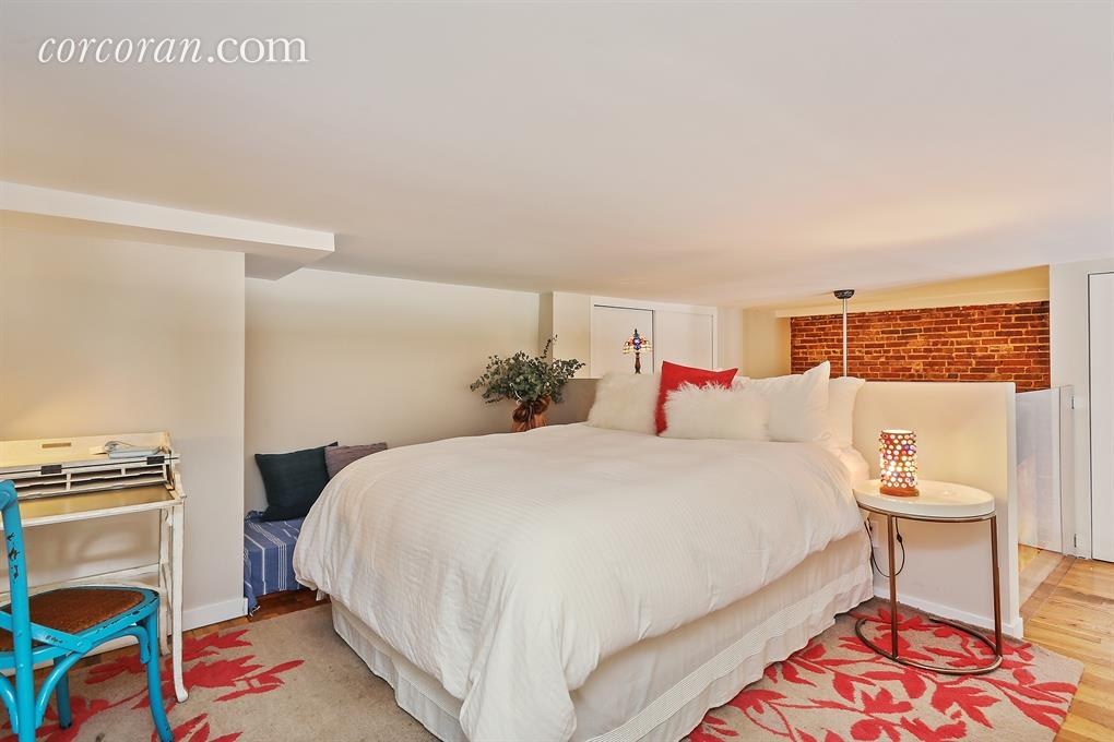 loft, mezzanine, bedroom, 302 5th avenue, park slope, co-op