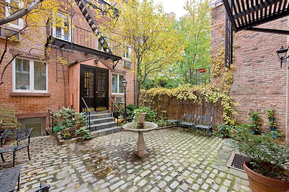 337 West 20th Street, courtyard, chelsea, muffin house