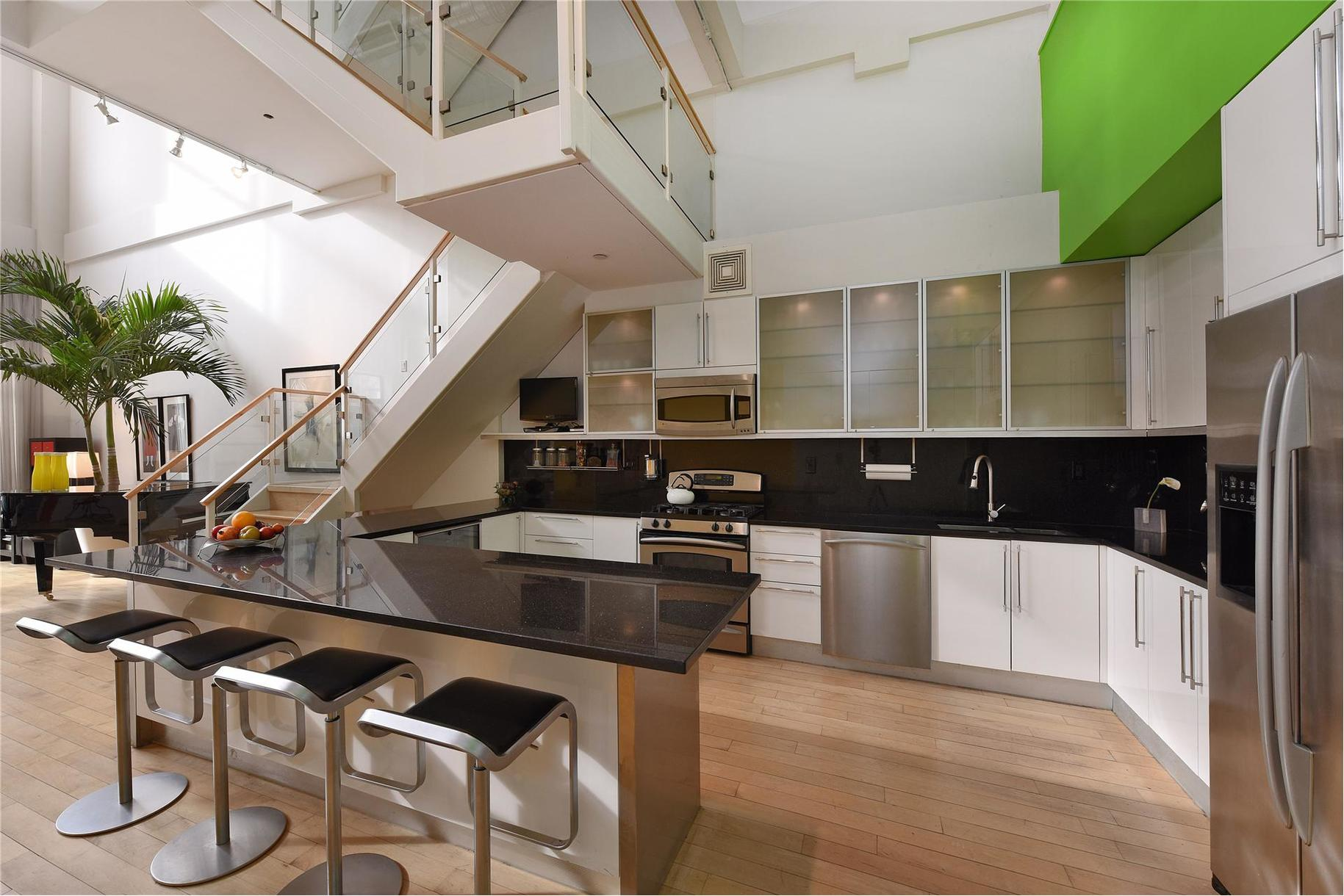 535 Dean Street, Newswalk, Prospect Heights, Theo Kalomirakis, Father of Home Theater, Brooklyn Loft for sale, Cool Listings, Duplex,