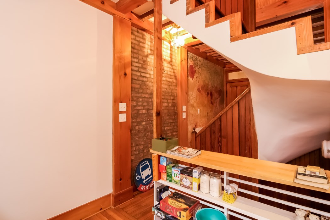 8 warren place, staircase, warren place mews, cottage, rental,