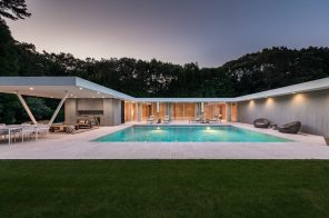 This $5M modern glass home in Sagaponack is architect Shigeru Ban's only work on Long Island
