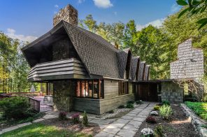 $875,000 lake-front home in Westchester was designed by a Frank Lloyd Wright student